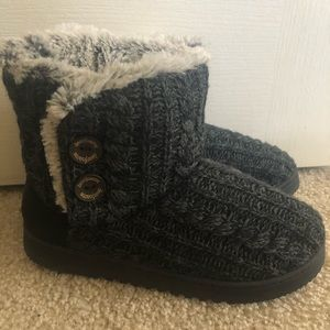 Fuzzy sweater boot slippers